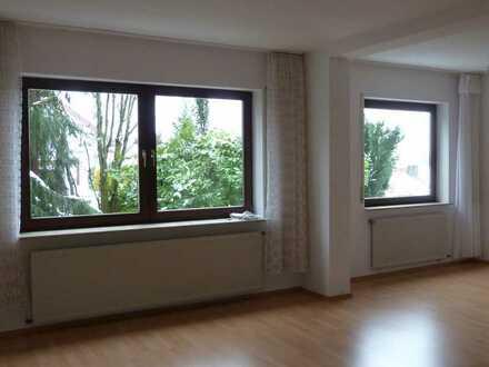 Gepflegte 1,5-Raum-Wohnung mit Einbauküche in Stuttgart