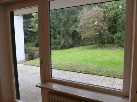 !!ANFRAGEN NUR PER MAIL!!!Neu renovierte 2 Zimmer Wohnung mit Terrasse!