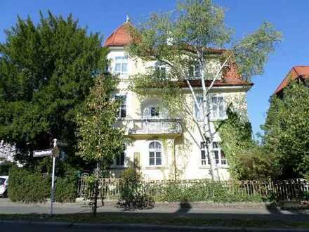 Jugendstil - Mehrfamilienhaus mit 4 Wohnungen zentral in Reutlingen