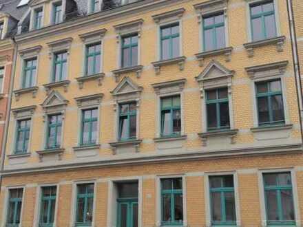 Neu renovierte 2-Raum-Wohnung/ Hochparterre mit schönem Balkon
