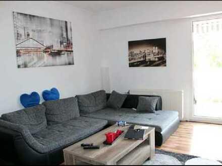 Schöne helle drei Zimmer Maisonette Wohnung in Leverkusen, Rheindorf