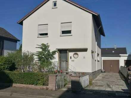 Schönes, ruhig gelegenes Einfamilienhaus mit 5 Zimmern zum Kauf in Nordweststadt, Karlsruhe