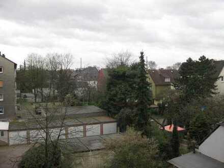 Helle 3 Zimmer Wohnung - renoviert - Balkon - Stadtnah -