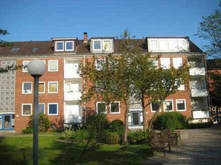 Schwachhausen - Bürgerpark- u. Uninähe! Sanierte 2 Zi.-Wohnung mit Einbauküche, Balkon, Laminat