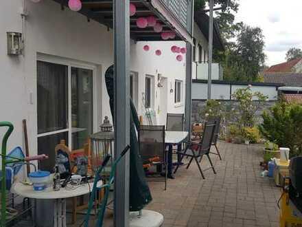 Vollständig renovierte 5-Zimmer-Erdgeschosswohnung mit Balkon in Inkofen