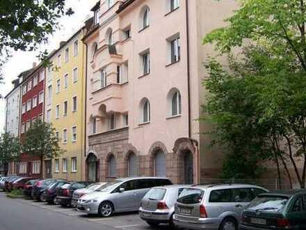 Exklusive 3 Zimmer Wohnung auf 80 m² in Nürnberg Nibelungen mit Balkon, Bad neu, Parkett uvm.!