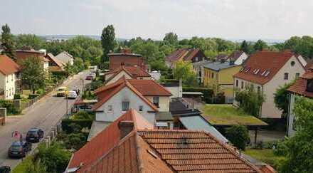 Renovierte 2-Zi.-Dachgeschosswohnung 67qm WF,90qm Grundfläche auf Wunsch mit Einbauküche