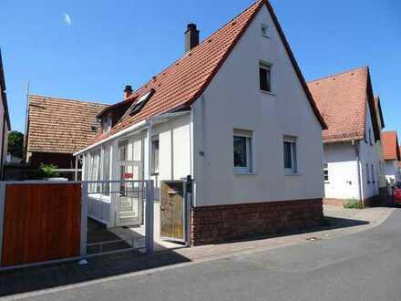 Einfamilienhaus mit Scheune, Garten und Ausbaupotential!!