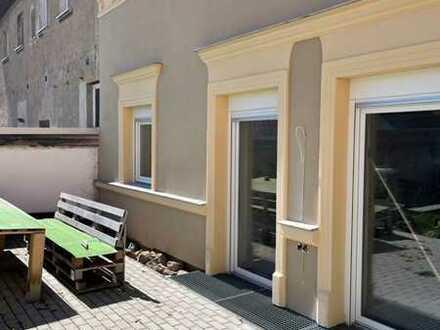 Niemberg / hochwertige, altersgerechte 2 Zi. Wohnung mit Stellplatz zu vermieten