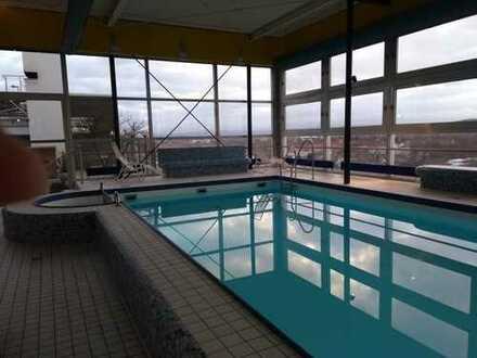 WG mit Sauna und Schwimmbad