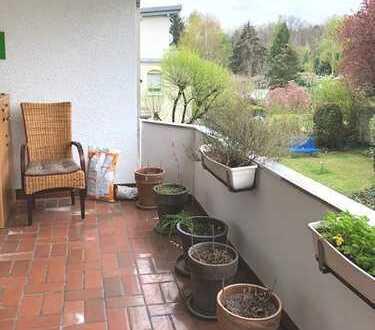 Gepflegte, großzügige 2-Zimmer-Wohnung mit Balkon und Stellplatz in angenehmer Lage, Offenbach