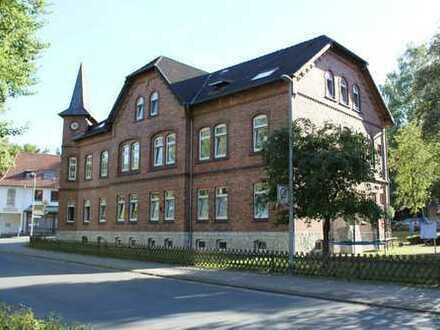 ** Charmantes Mehrfamilienwohnhaus ** Zentral in Bad Salzdetfurth (ca. 6,6% Rendite v. Steuern)