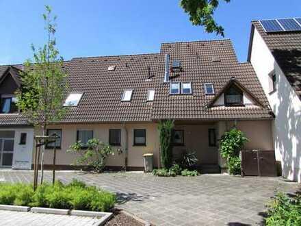 Sehr gepflegtes Reihen-Mittelhaus als 2-Familienhaus in guter Wohnlage von MA-Wallstadt!