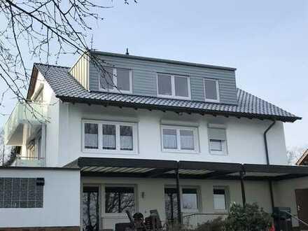 Neuwertige 3-Zimmer-EG-Wohnung mit Terrasse in kleiner Wohneinheit