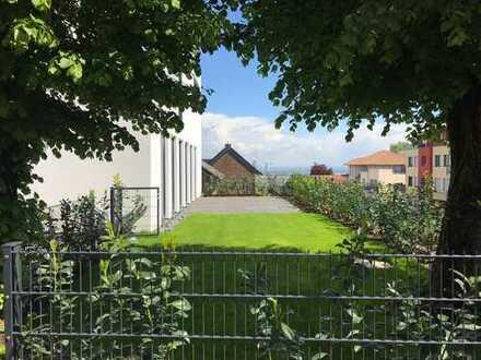 200m2 LUXUSPENTHOUSE mit grasdiosem Fernblick und Garten