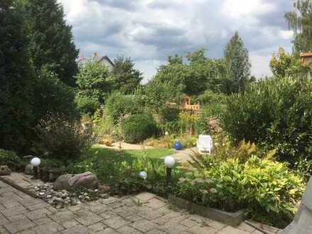Modernisierte 3-Zimmer-Maisonette-Wohnung mit Garten und Kamin in Bonn - Röttgem