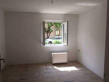 Kaufen statt mieten - 3-Zi-Whg. mit Gartenanteil und zusätzl. Dachzimmer
