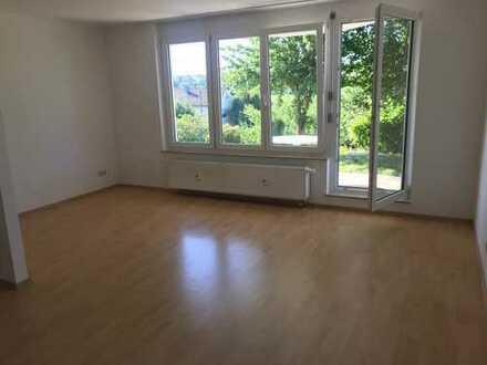 Wunderschöne 4-Zimmer-Terrassenwohnung mit Blick auf Naturschutzgebiet in Leonberg