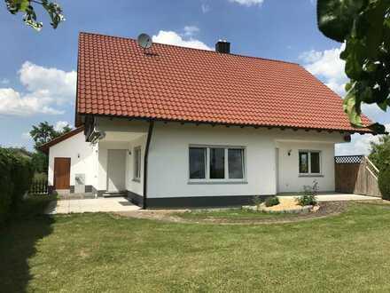 Wunderschönes, geräumiges 6-Zimmer-Einfamilienhaus mit EBK in Nerenstetten