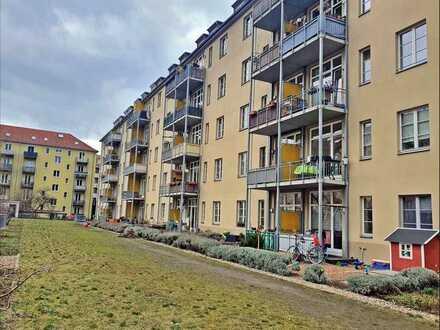 Traumhafte Wohnung mit Südbalkon direkt an der Elbe!