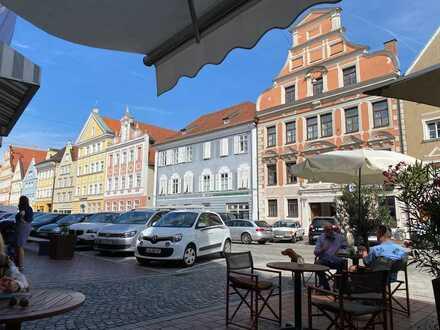Schöne 1-Zimmer-Wohnung LA Neustadt direkt am Stadtplatz