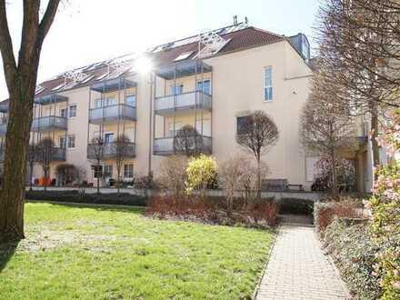 5 % Rendite! Schicke 2-Zimmer-Wohnung mit großer Dachterrasse, Balkon & Tiefgaragenstellplatz!