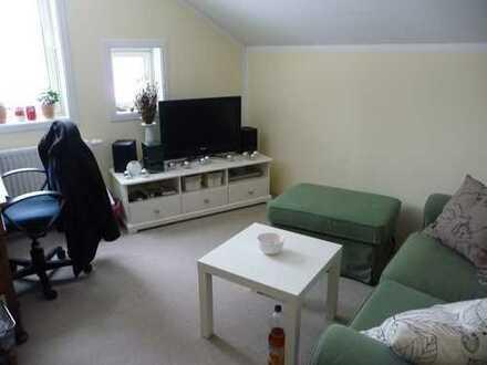 Schöneiche: 2 Zimmer mit rund 25 qm zsm + Sanitär und Wohnraumnutzung
