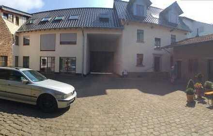 5-Zi.-Haus in alter Hofanlage in Bornheim-Waldorf!