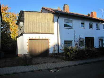 Landstuhl - Doppelhaushälfte mit Garage und sonnigem Garten