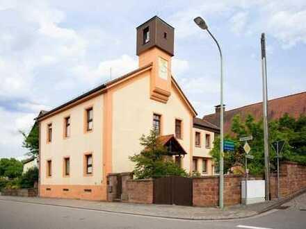 Schopp - Außergewöhnliches Ein-/Zweifamilienhaus mit Scheune und sonnigem Grundstück