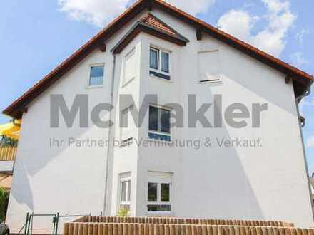Kapitalanlage in Großstadtnähe: 4-Zi.-Penthousewohnung mit Balkon und Stellplatz
