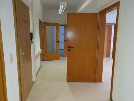 Zentrumslage, Büro mit 7 Zimmern in herrschaftlichem Gebäude von 07545 Gera, 60 km von Leipzig