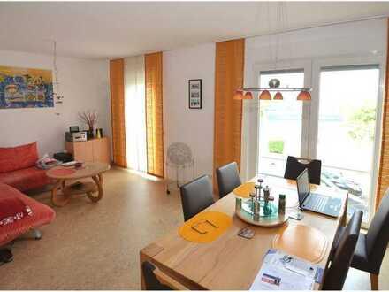 REMAX - Großzügiges Büro/Praxis mit 2 Räumen, Bad und zwei Abstellräumen im Flugplatzgebäude, 1. OG