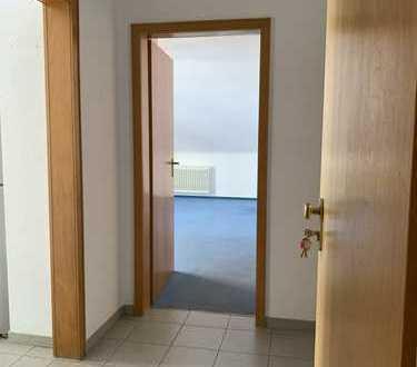 Ruhige 2-Zimmer-DG-Wohnung mit Balkon in Dormagen