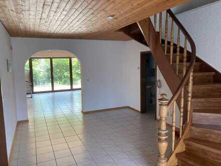 Helle 4 ZKB-Maisonette Wohnung mit eigenem Garten in Lautertal zu verkaufen