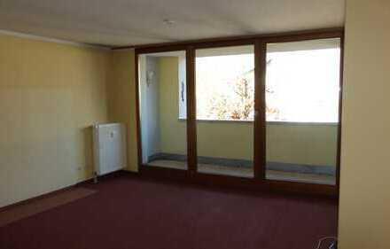 Ruhige 4-Raum Wohnung mit EBK und Balkon in Lichtenstein