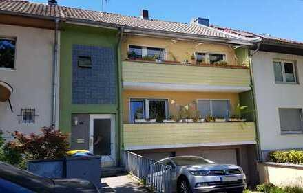 3,5-Zimmer-Wohnung mit Balkon, Gäste-WC und EBK in Bonn Endenich