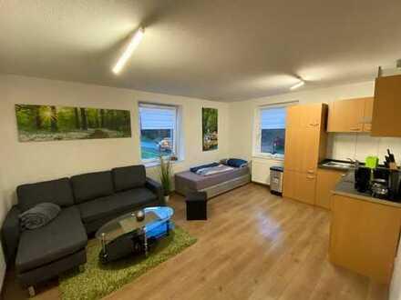Saniertes, komplett möbliertes Apartment in zentraler, trotzdem ruhiger Lage nähe Oslebshauser Bahnh