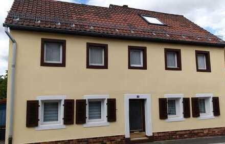 Schönes Haus mit fünf Zimmern in Bayreuth, St. Georgen teilmöbliert. Befristet zu vermieten.