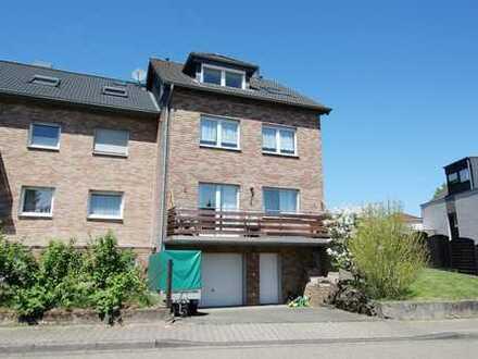 Mehr als nur eine ETW! Gepflegte Doppelhaushälfte mit integrierter Garage in 51519 Odenthal-Blecher