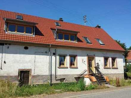 Zwangsversteigerung Einfamilienhaus mit großem Grundstück und viel Ausbaupotential !