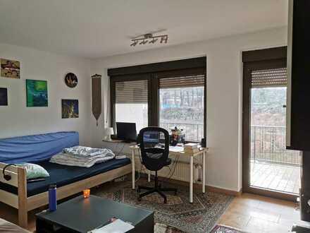 Schönes 1-Zimmer-Appartement mit großem Balkon und Stellplatz in Uninähe