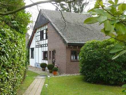 Freistehendes Einfamilien- Fachwerkhaus im Grünen, Krefeld- Forstwald