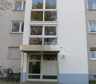 Schöne, familienfreundliche 4-Zimmer-Wohnung mit Loggia direkt am Fußballstadion zu vermieten