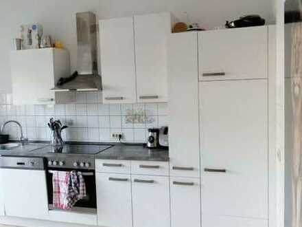 Wunderschönes Wg Zimmer in renovierter Altbauwohnung im Süden Landaus!