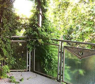 Wunderschöne, sehr zentral gelegene 3 ZKB Balkon Etagenwohnung mit Blick ins Grüne