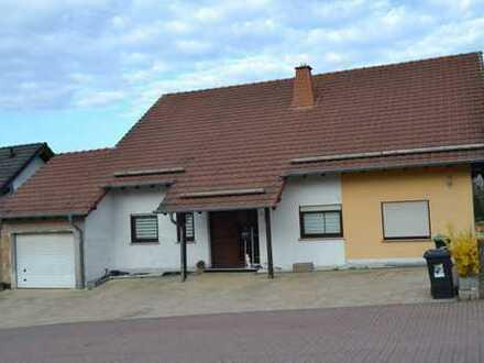 Großzügiges freistehendes 1-3 Familienhaus in ruhiger Lage