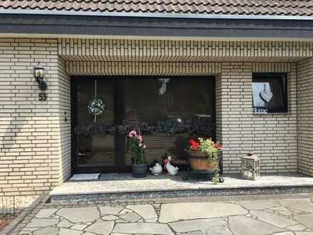 Schöne, geräumige drei Zimmer Wohnung in Rhein-Erft-Kreis, Bedburg
