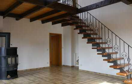 Preiswerte, vollständig renovierte 4-Zimmer-Maisonette-Wohnung mit Balkon in Herten-Westerholt