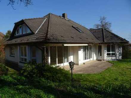 Maklerfrei große , moderne Architektenvilla in bester Lage in Hofgeismar , Kreis Kassel